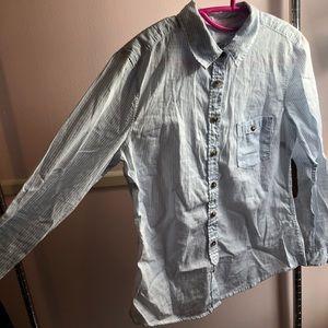 Buttons down H&M shirt